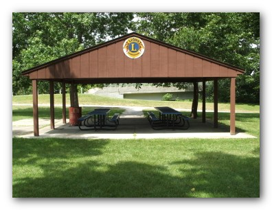 pfeiffer shelter by bike trail.jpg